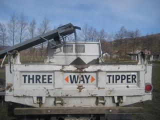 Three way tipper truck